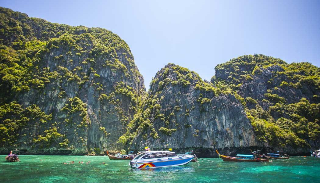 Phi Phi Islands Speedboat Tour in Krabi